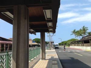 コナ国際空港前レンタカー乗り場